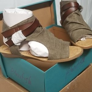 Blowfish Rancher Canvas Sandals, New with Tags
